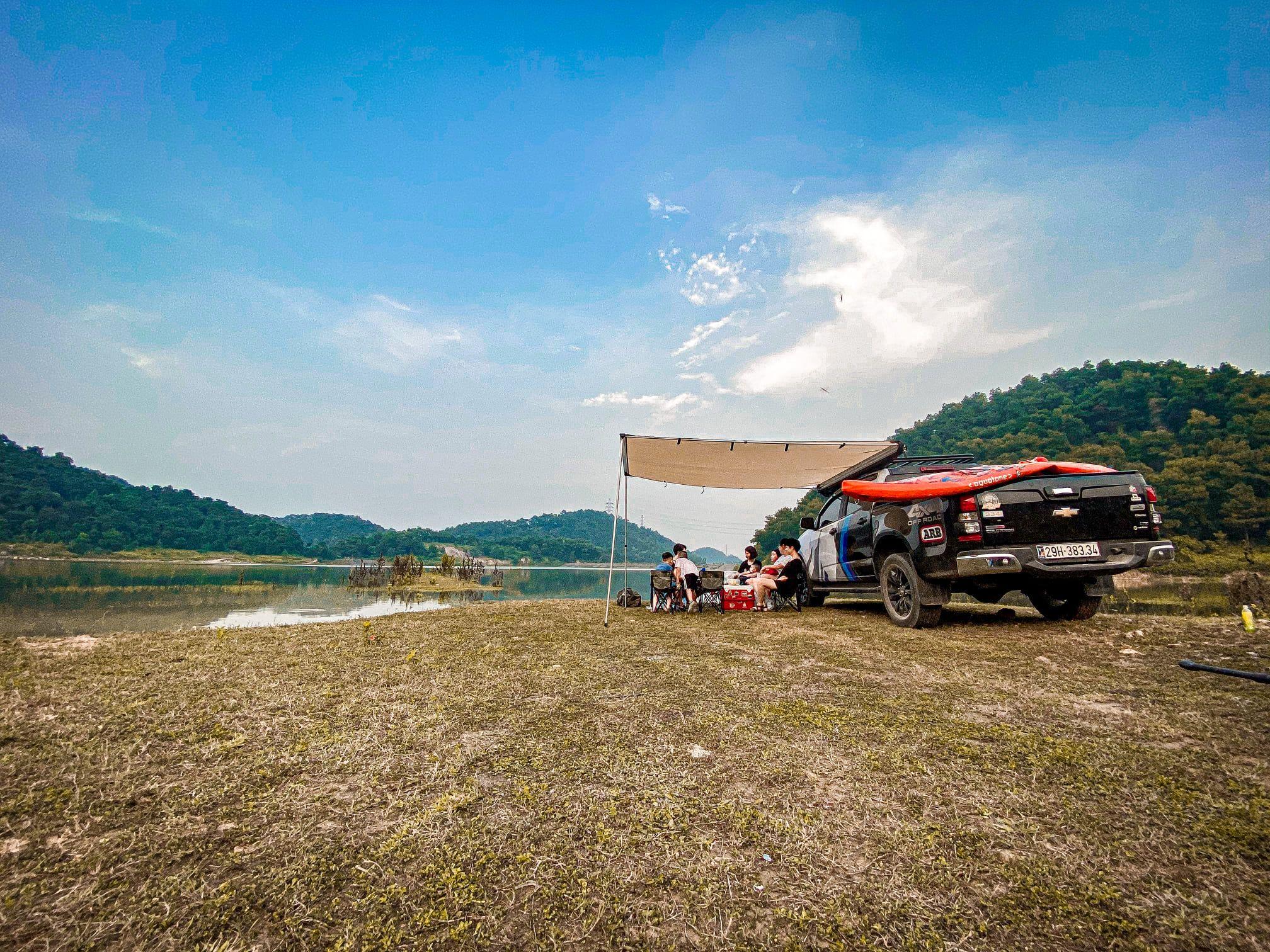 Review Hồ Chỏm Núi - Sóc Sơn - 40km ~ 1h đồng hồ lái xe. Bãi cỏ rộng sạch sẽ